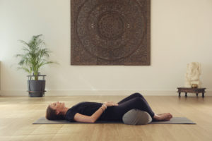 posture yoga endometriose
