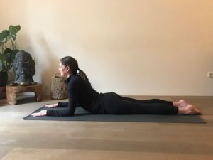 pose yoga endometriose